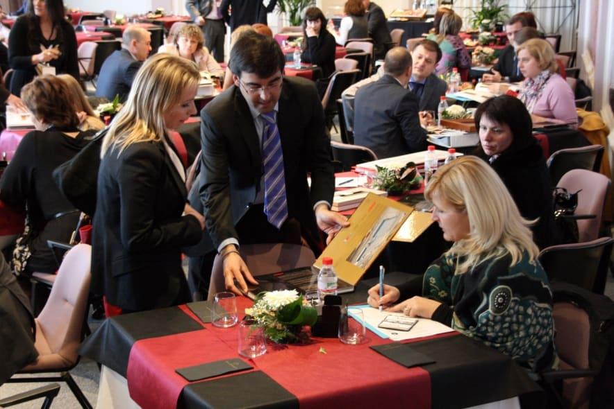La Feria del Mueble Yecla habilita un servicio de consultoría para exportar muebles